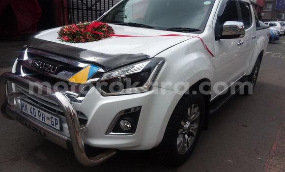 Buy Used Isuzu KB White Car in Bethel in Ngwaketse