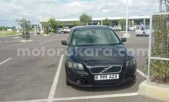 Buy Used Volvo S40 Black Car in Broadhurst in Gaborone