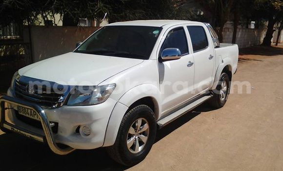 Buy Used Toyota Hilux White Car in Broadhurst in Gaborone