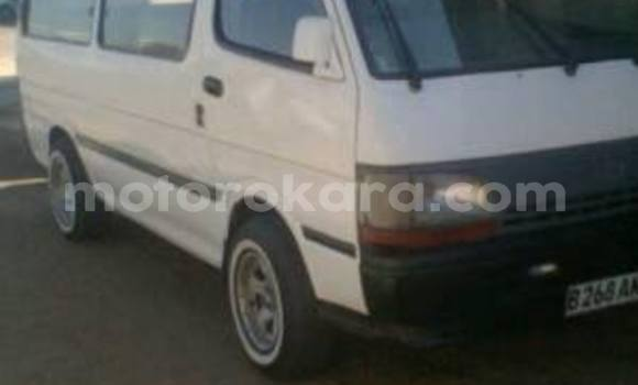 Buy Used Toyota Hiace White Car in Broadhurst in Gaborone