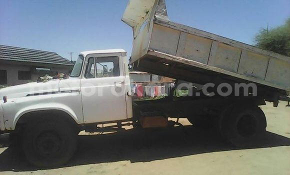 Buy Used Toyota DA White Truck in Francistown in North-East