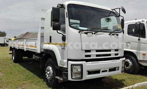 Buy Used Isuzu FTR 850 White Truck in Orapa in Central