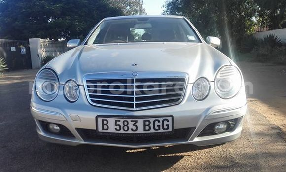 Buy Used Mercedes‒Benz E-Class White Car in Broadhurst in Gaborone