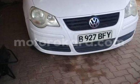 Buy Used Volkswagen Polo White Car in Rakhuna in Ngwaketse