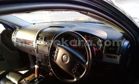 Buy Used Volkswagen Touareg Blue Car in Gaborone in Gaborone