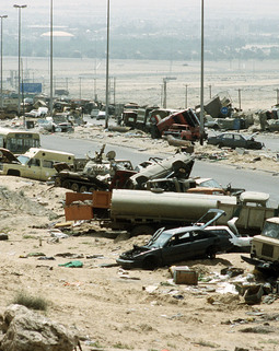 Thumb demolished vehicles line highway 80 on 18 apr 1991